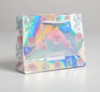 Пакет подарочный голографический Happy, 15 × 12 × 5,5 см